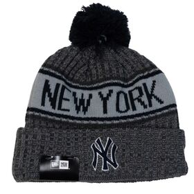 New Era New York Yankees Knit Medium Baseball Beanie